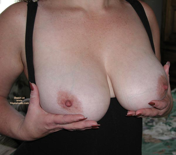 Pic #1 *BO Buxom Wife 1st Contri
