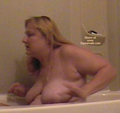Pic #1 Wife in The Tub