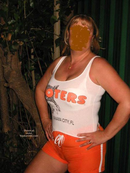Pic #1 Retired Hooters Gal