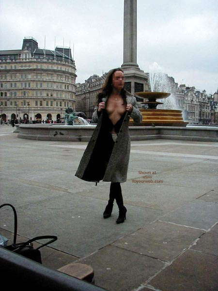 Pic #1 Luvs2pose Visits London 1