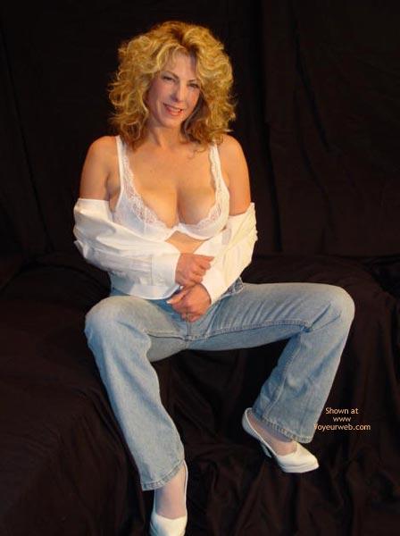 Pic #1 *Je Gc Hot At 45 In Her Vs Jeans
