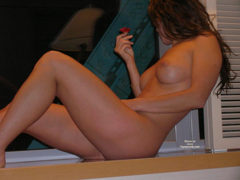 Round Tits - Small Nipples , Round Tits, Naked Woman, Small Nipples, Window, Hidden Face, Naked In Window, Eating Strawberry