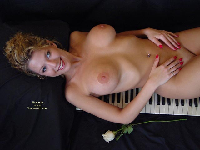 Blonde - Blonde Hair , Blonde, Nude On Keyboard, Piano