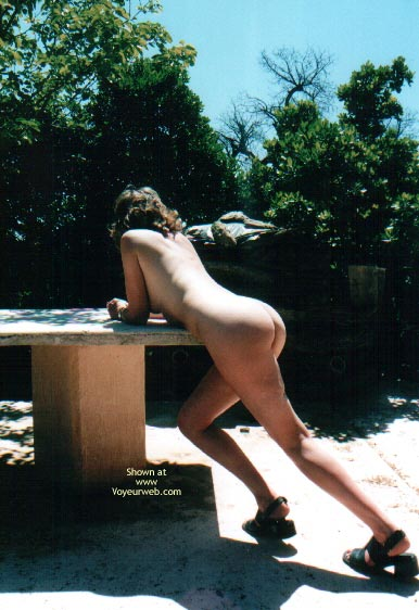 Pic #1 Nude In France