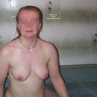 Uk Wife In The Bath