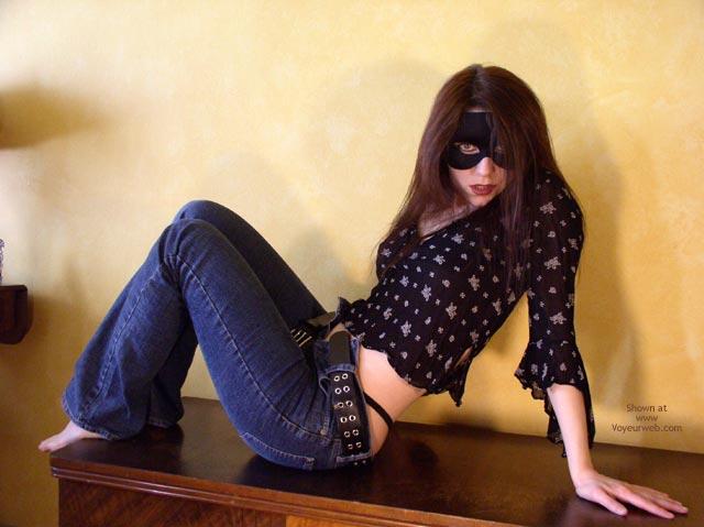 Pic #1 *Je Masked Mia In Jeans