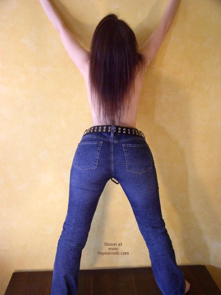 Pic #1 *Je Masked Mia In Jeans 2