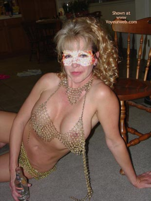 Pic #1 Wife In Chainmail Bikini