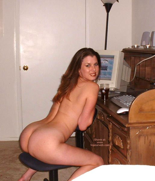 Nice Big Behind On Office Chair , Nice Big Behind On Office Chair, At Home Office Looking At Vw, Naked Computer User, Nude Online Chat