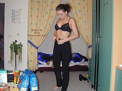Pic #1 Daniela Im Schlafzimmer