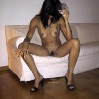 Mia Moglie Elisa Drinks A Glass Of Water 2