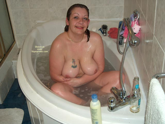 Pic #1 More Bathtime Fun And Lingerie