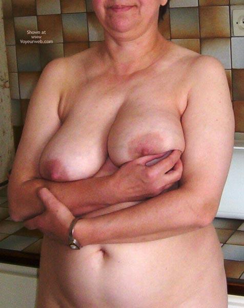 Pic #1 Ma Femme Est Nue Pour Votre Plaisir 3