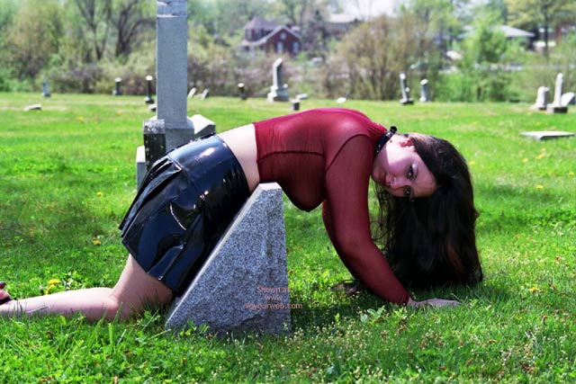 Pic #1 What Do U Want On Ur Tombstone?