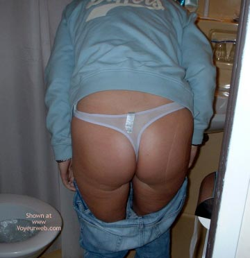 Pic #1 Uk Wife Only Wears Thongs2