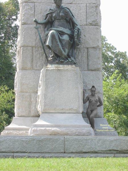 Pic #1 *Nu Samantha'S Hot  Nip Statues