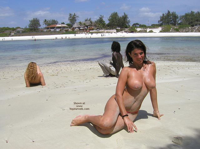 Pic #1 Vanessa Watanu Beach