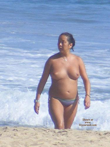 Sexy Curvy Nude Beach Scenes