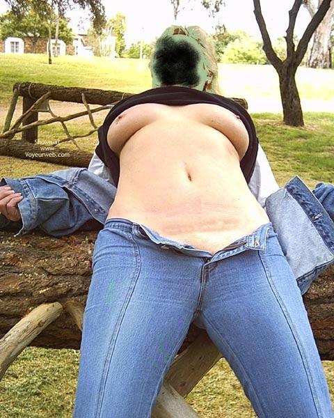 Pic #1 Aussie Amanda In The Park