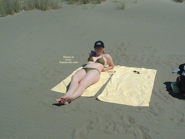 Pic #1 19yr Old Nude On Beach