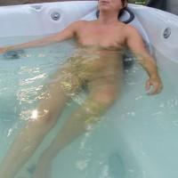 *PL Eva - Hot Tub