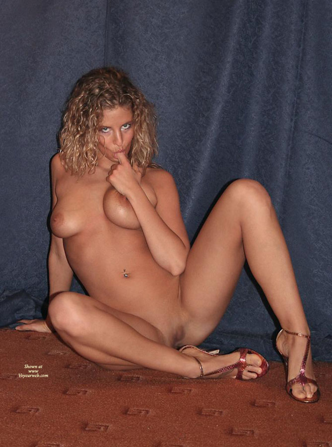 Arched Feet In High Heels - Heels, Shaved Pussy, Naked Girl, Nude Amateur, Sexy Feet , Arched Feet, Sexy High Heels, Sucking Finger, Legs Wide Open, Sucking Finger Looking Into Camera, Nude In Heels, Finger Licking Good, Sitting On Floor Nude, Sexy Shoes, All Over Tan