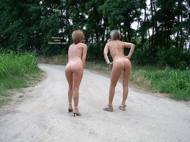 Pic #1 *Gg Girls On The Road  Donne Per Strada
