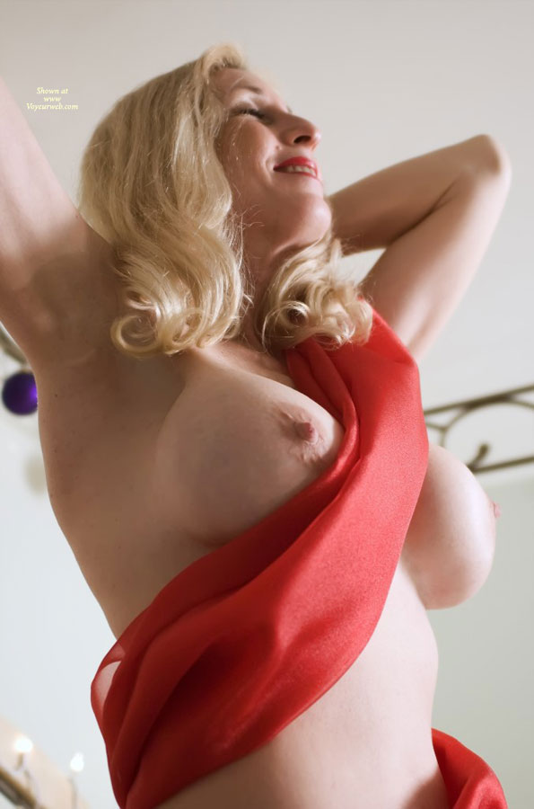 Sexy Boobs And Sexy Armpits - Blonde Hair, Huge Tits, Large Breasts, Long Hair, Pale Skin, Sexy Boobs , Pale Skin, Full Breasted Blonde, Blonde And Busty, Hands Behind Head, Beautiful Boobs, Blond Standing, Arms Raised