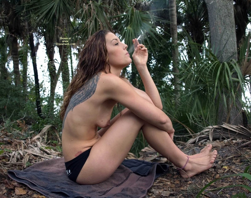 Nude pregnant women smoking have