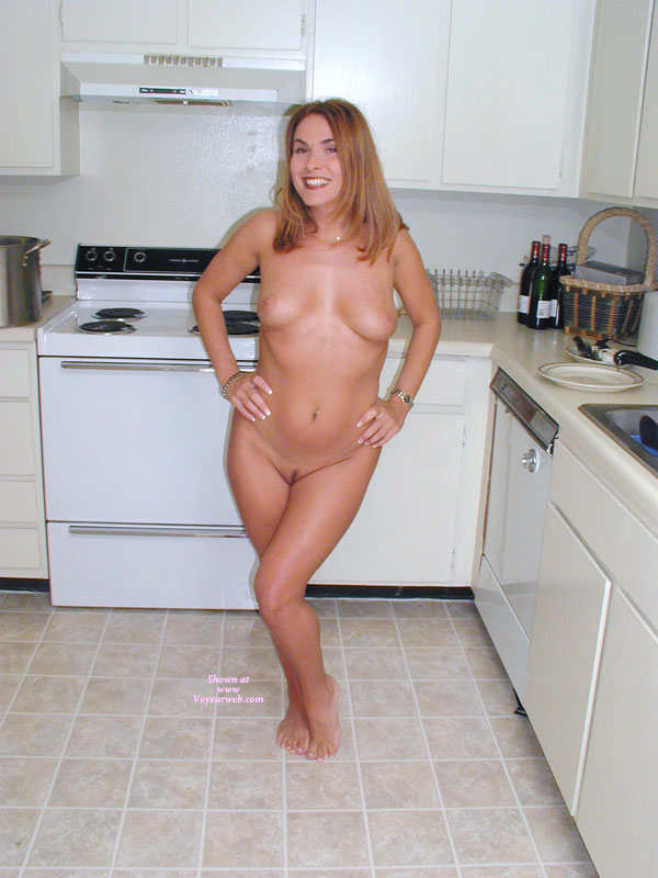 Curvy wife nude
