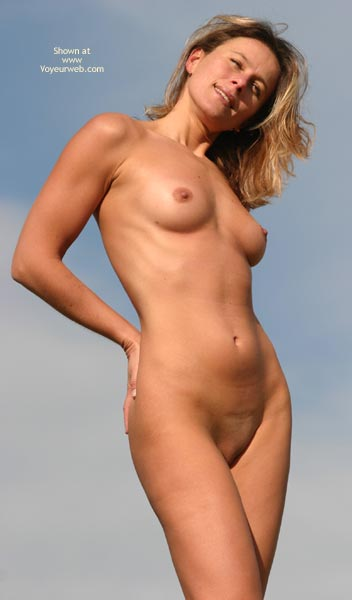 Classic Pose Shaved Pussy - Shaved Pussy , Classic Pose Shaved Pussy