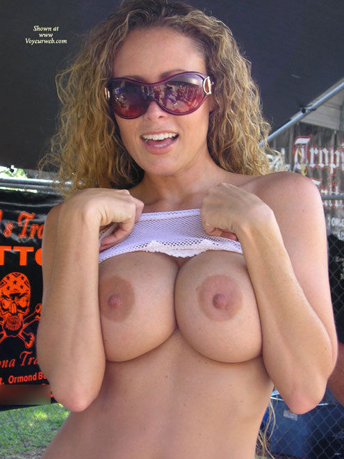 Blonde Girl With Mouth Is Open Flashing Boobs - Big Tits, Blonde Hair, Erect Nipples, Flashing, Large Aerolas, Sunglasses, Sexy Boobs , Flashing Tits In Public, Curly Blonde Hair, Big Pink Aereolas With Erected Nipples, Big Tits Flash, Large Semi Erect Nipples, Large Round Tits, Flash At The Tattoo Shop, Boobs And Sunglasses, Public Flash, Huge Sunglasses, White Mesh Crop Top