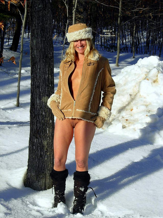 Half Naked Girl On Snow - Shaved Pussy, Naked Girl, Nude Amateur, Nude Wife, Wife Pussy , Blond In Snow, Bottomless, Exposed Pussy, Standing In Snow, Covered Tits, Tiny Tits, Sheepskin Hat And Gloves, Bottomless, Sheepskin Jacket