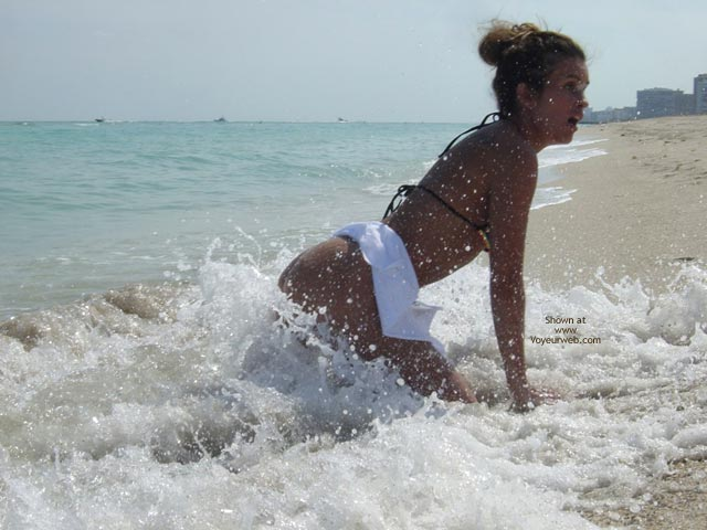 Wet Pussy , Wet Pussy, Sea Soaked Ass, Erotic Beach Girl, Beach Surf, Wet In The Back, Penetration Of Aphrodites