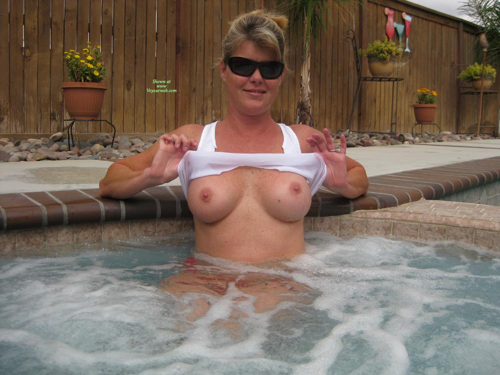 Sex tits boobs hottub fuck