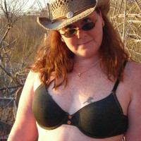 Topless Girlfriend:In The Duck Blind