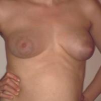 Nude Sister:Kate Tities