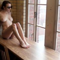 Nude Girlfriend:Steph Takes It Off In Public
