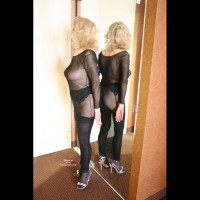 Nude Wife on heels:Darling Is Back For Her Admirers