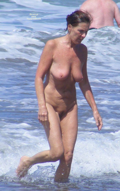Beach Voyeur Nudist Woman Full Frontal Mature - April, 2010 - Voyeur Web-1996