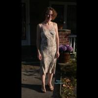 Topless Amateur:Alyson Dinner Date