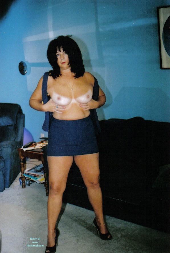 Pic #1 Nude Amateur on heels:*NH Nervous Mom In Heels II