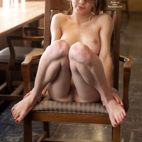 Nude Girlfriend: Steph Fully Nude In Library