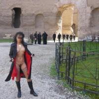 Nude Wife:Trip To Roma
