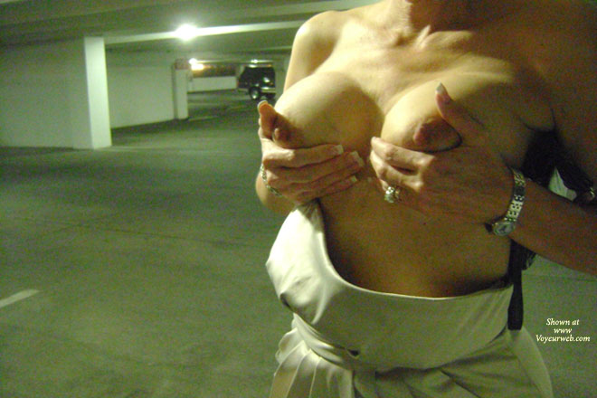 Pic #1 Topless Wife:Sexy Wife Flashing In Public