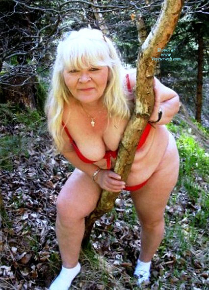 Pic #1Topless Girlfriend: Sabine In The Woods