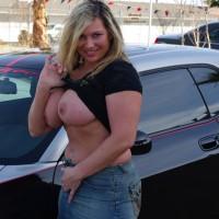 Girlfriend dressed sexy:Daizy In Vegas