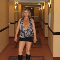 Nude Me on heels: Ca Flasher Visits Vegas