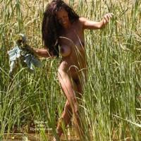 Nude Girlfriend:A Walk In The Marsh