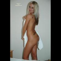 Hot Babe In Super Sexy Shower Fun